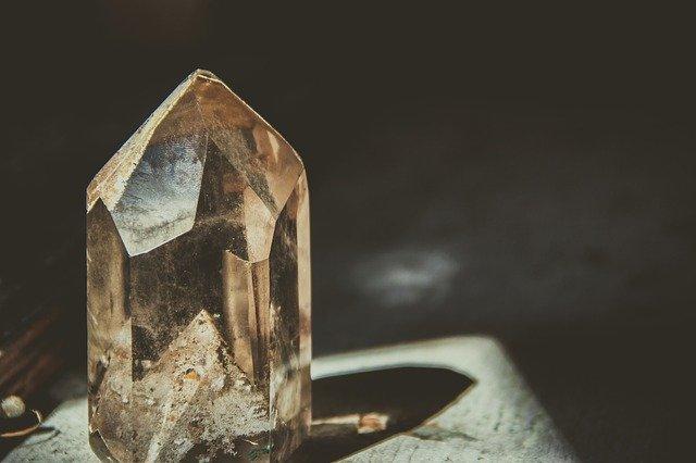 crystal-2723145_640