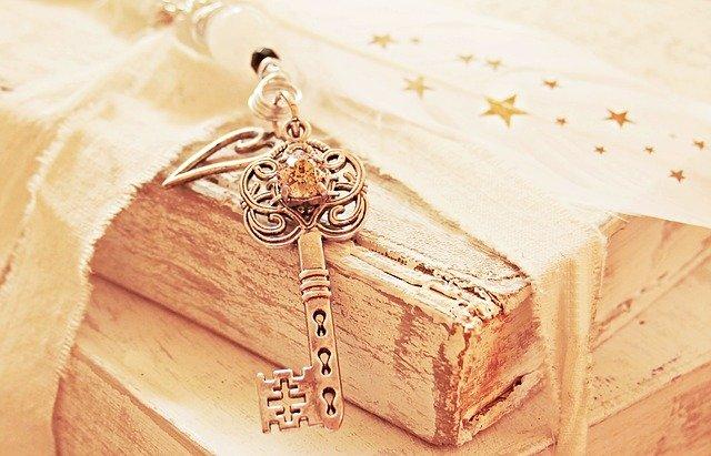 key-2471007_640