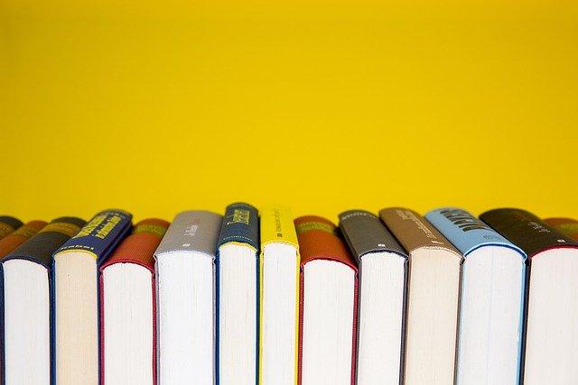 books-5937716_640