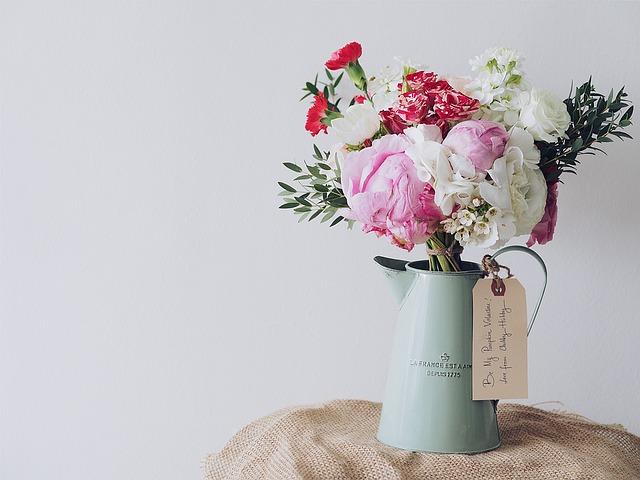 bouquet-of-flowers-1149099_640