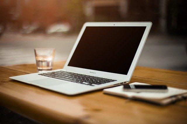laptop-336373_640