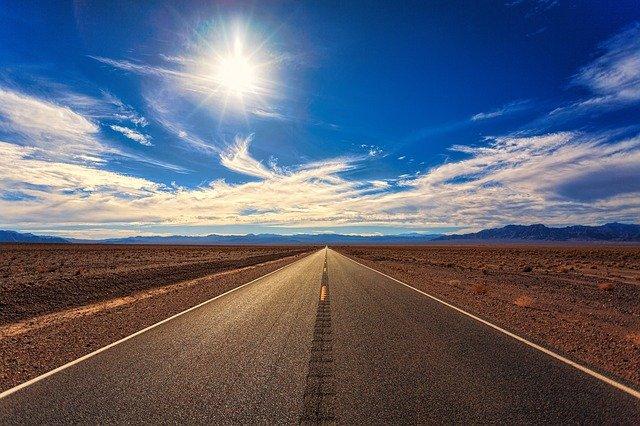 road-3133502_640
