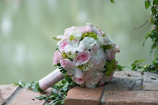 wedding-flowers-2948530_640
