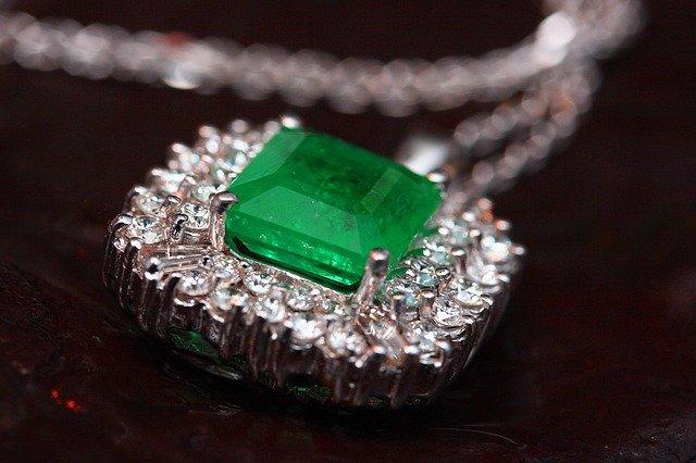 jewelry-2325756_640