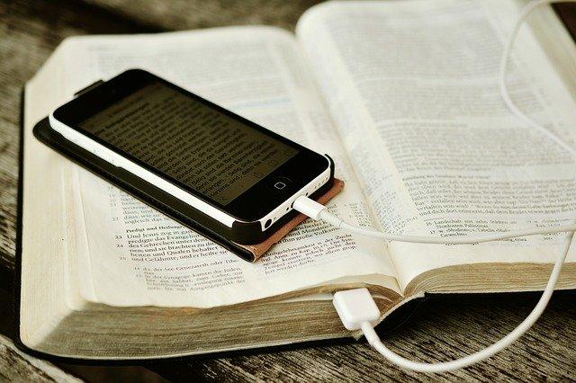 bible-2690295_640